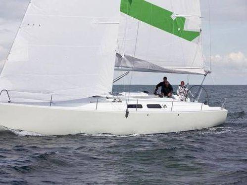 Barca a vela Varianta 44 · 2011