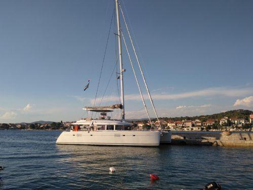 Catamaran Lagoon 560 · 2011