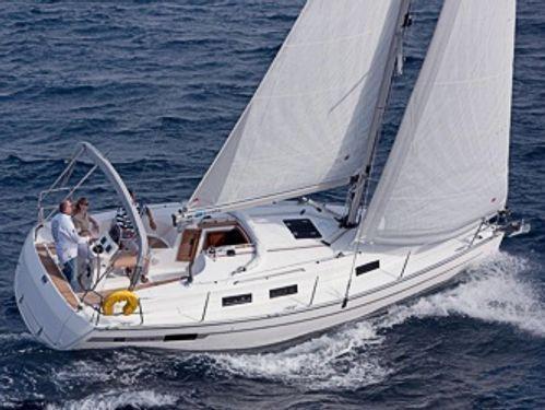 Sailboat Bavaria Cruiser 32 · 2012