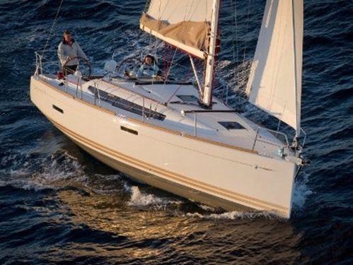 Sailboat Jeanneau Sun Odyssey 379 · 2015