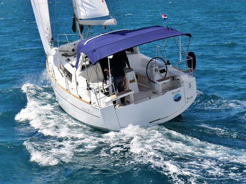 Zeilboot Beneteau Oceanis 38.1 · 2018