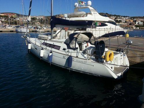 Barca a vela Beneteau Oceanis 37 (2010)