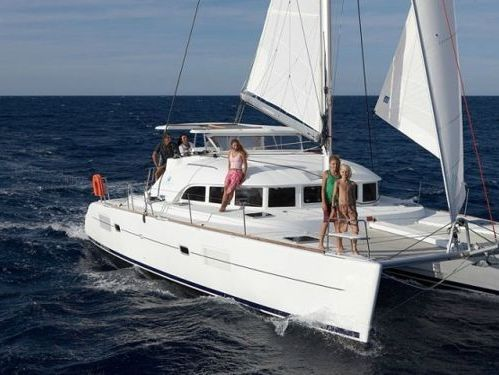 Catamarano Lagoon 380 Premium · 2017