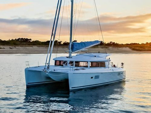 Catamaran Lagoon 421 · 2011
