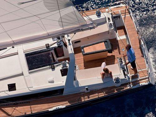 Sailboat Beneteau Oceanis 48 · 2016