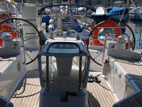 Sailboat Jeanneau 53 · 2010