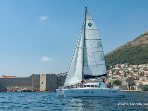 Catamaran Lagoon 380 · 2017