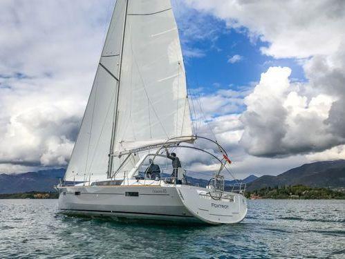 Barca a vela Beneteau Oceanis 45 · 2017