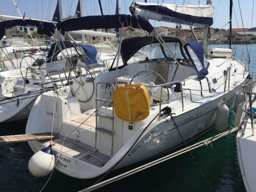 Sailboat Beneteau Cyclades 39.3 · 2008