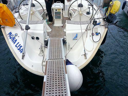 Sailboat Bavaria 47 · 2002
