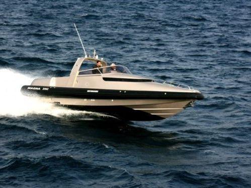 Speedboat Motomarine MAGNA 35C · 2008
