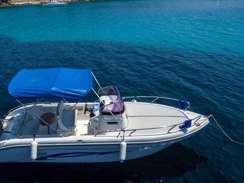 Motorboot Ranieri Shadow 22 · 2012