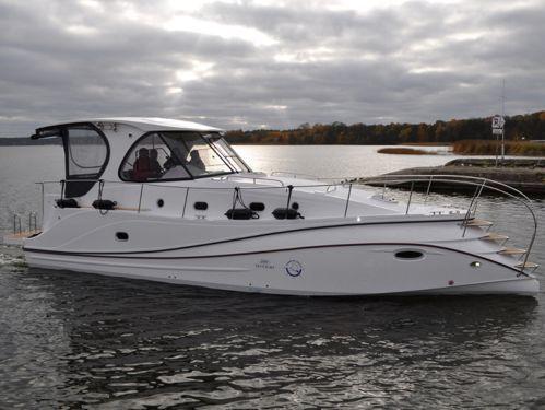 Motorboat Tes 393 Illuminatus · 2016