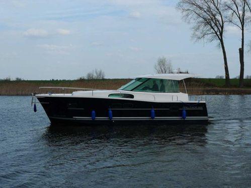 Motorboat Nautika 1000 · 2012