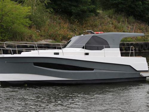 Motorboot Represser 30 · 2015