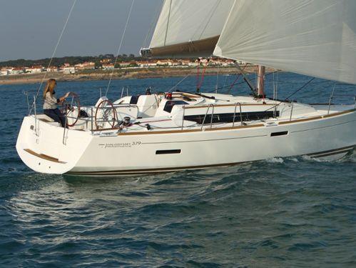 Sailboat Jeanneau Sun Odyssey 379 · 2012