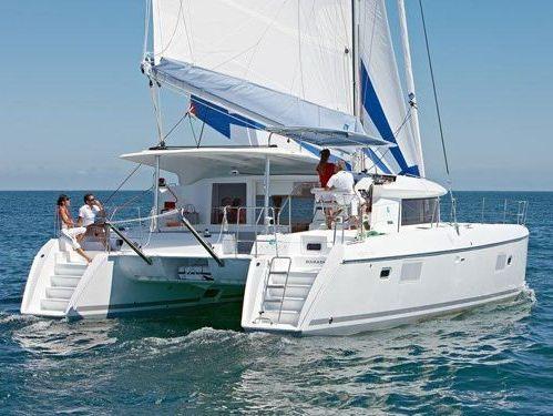 Catamaran Lagoon 421 · 2013