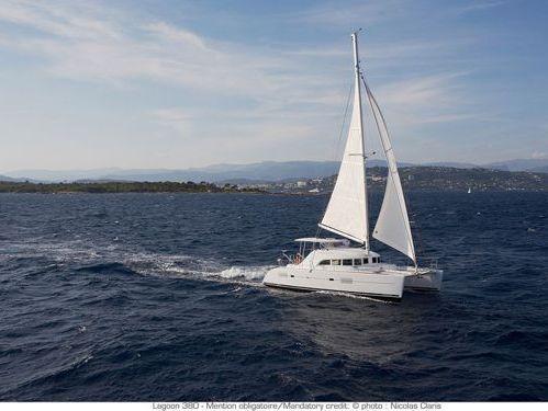 Catamarano Lagoon 380 · 2017