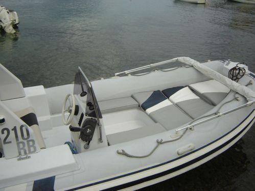 Imbarcazione a motore Barracuda RIB (2009)
