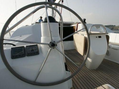 Sailboat Jeanneau Sun Odyssey 42 i · 2009
