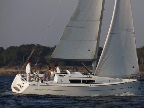 Sailboat Jeanneau Sun Odyssey 33 i · 2011