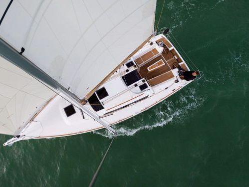 Sailboat Dufour 350 Adventure · 2017
