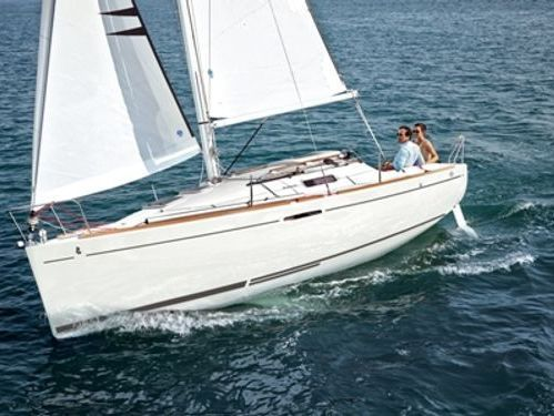 Sailboat Beneteau First 25 S · 2015