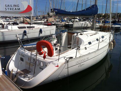 Sailboat Beneteau Oceanis Clipper 311 · 2001