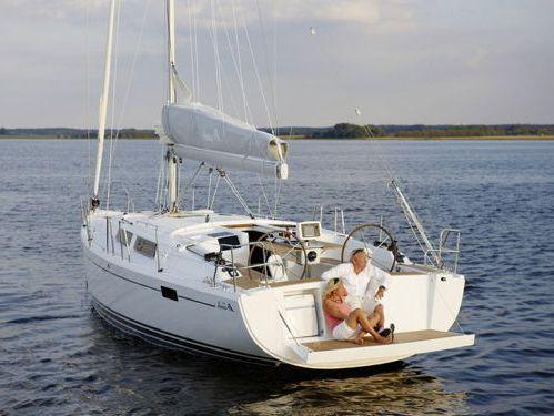 Sailboat Hanse 385 · 2017