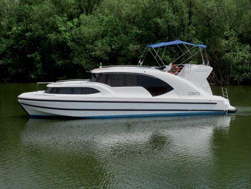 Imbarcazione a motore Minuetto 6+ (2010)