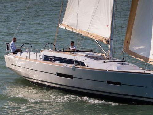 Sailboat Dufour 382 Grand Large · 2017