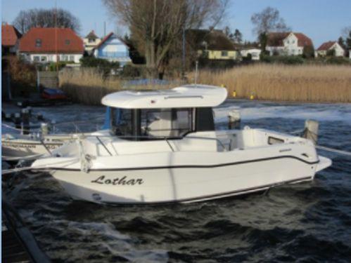 Motorboat Arvor 690 · 2019