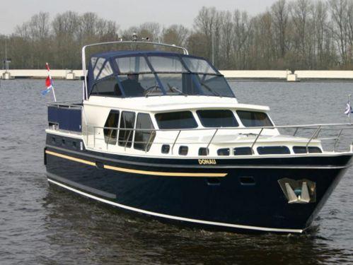 Motorboat Valk Voyager 1450 · 2002