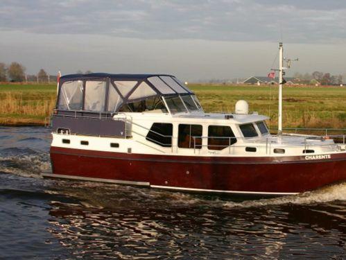 Motorboot Privateer 37 · 2004
