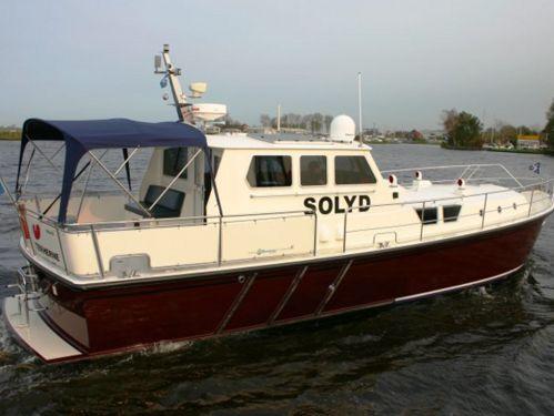 Motorboat Pilot 44 · 1996
