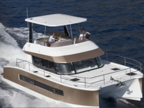 Motor Catamaran Fountaine Pajot MY 37 · 2018