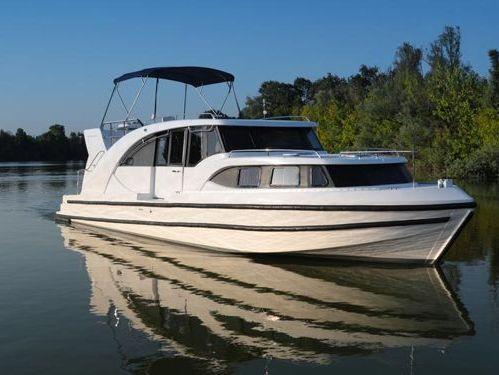 Imbarcazione a motore Minuetto 8+ (2019)