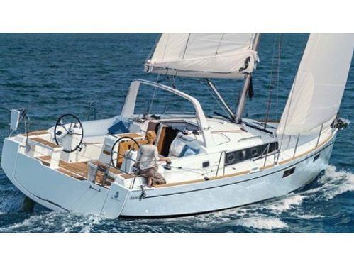 Barca a vela Beneteau Oceanis 38.1 · 2019