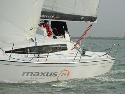 Barca a vela Maxus 26 (2019)