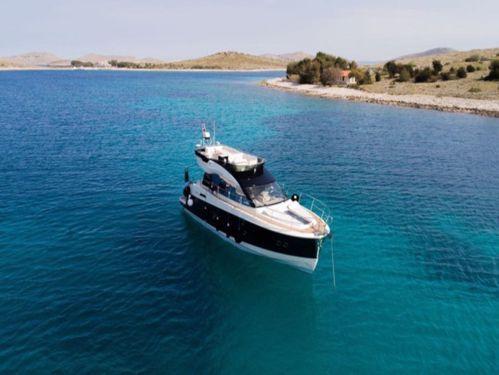 Imbarcazione a motore Beneteau Monte Carlo 5 (2014)