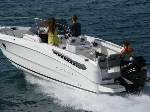 Speedboat Karnic 702 · 2019
