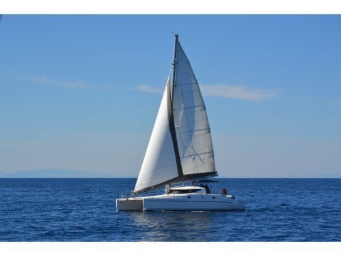 Catamaran Fountaine Pajot Athena 38 · 2002