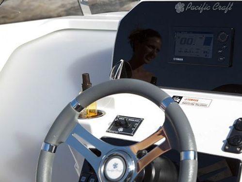Speedboot Pacific 670 Open · 2019