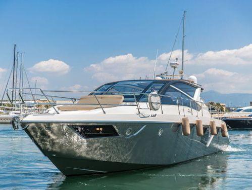 Imbarcazione a motore Cruiser Yacht 60 · 2015