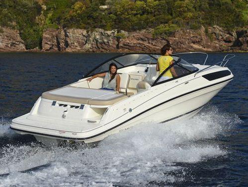 Speedboat Bayliner VR 5 · 2018