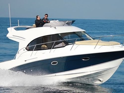 Motorboat Beneteau Antares 32 Fly · 2011