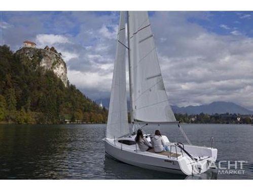 Barca a vela Elan E1 · 2017