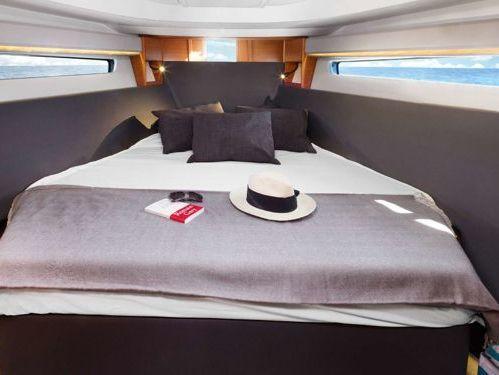 Motorboat Bavaria S36 · 2019