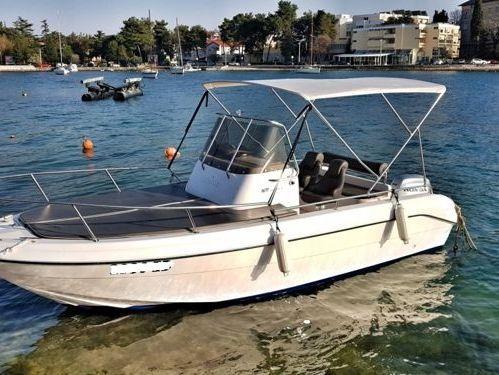 Speedboat Jeanneau Cap Camarat 635 · 2019