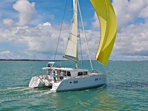 Catamaran Lagoon 400 S2 · 2014